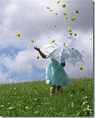 blue-dress-children-clouds-daisy-field-flower-field-Favim_com-37776_thumb.jpg