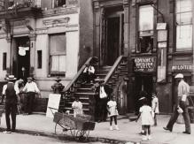 184251-harlem-scene-133rd-street-between-lenox-and-fifth-avenues-1930s