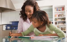 _Mother_and_daughter_with_homework_page-bg_16154